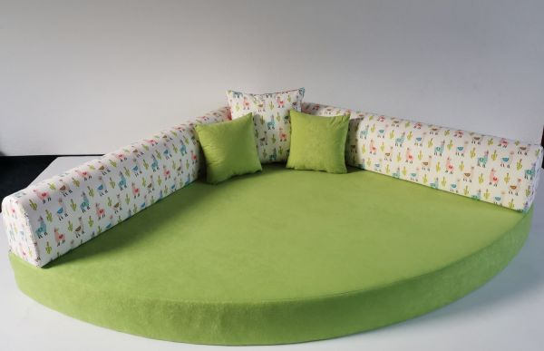 Kuschelecke Lama Fb. grün inkl. Kissen;