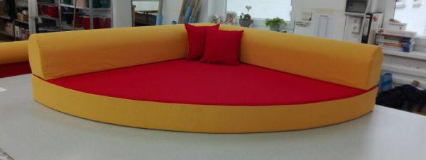 Kuschelecke rot - gelb inkl. 3 Kissen